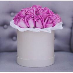 17 рожевих імпротних троянд