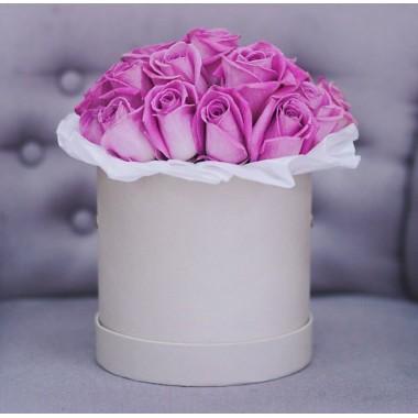 17 рожевих імпротних троянд в коробці